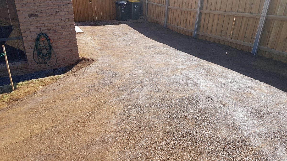 Dirtglue regular durable environmentally friendly driveway surface